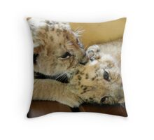 Cub kisses Throw Pillow