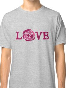 Love pink rose Classic T-Shirt