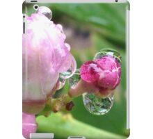 Rose bud droplets iPad Case/Skin