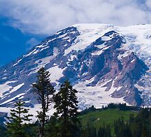 Mount Rainier by RavenFalls