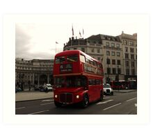 London Bus By Admiralty Arch Art Print