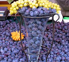 Fruit stand on Rue Montorgueil by Tony Dempsey
