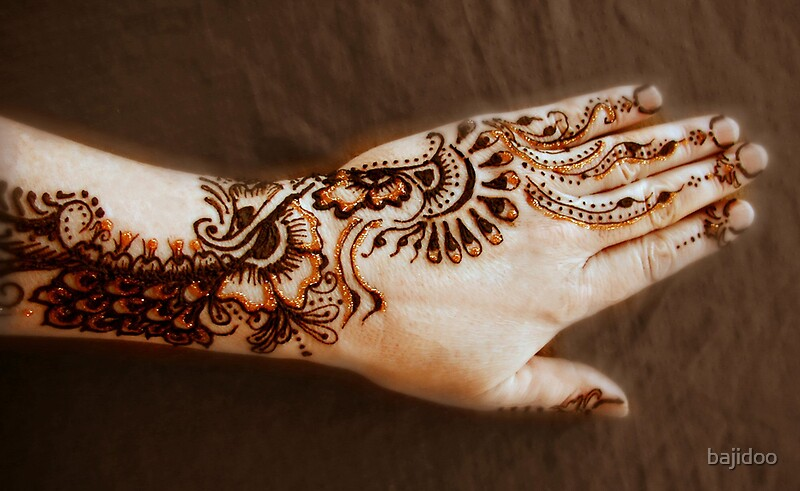 All that glitters is gold henna tattoo art by bajidoo for Red henna tattoo