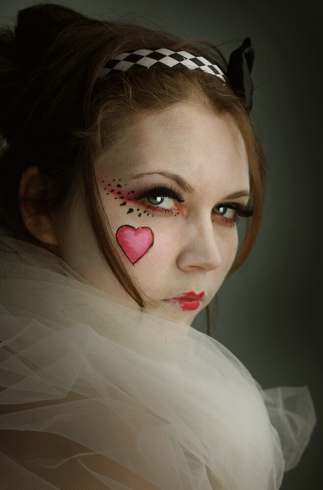 Queen of Hearts by lollipoppins