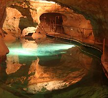 Colours of Jenolan Caves 3 of 3 by Scott Westlake