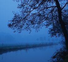 Blue morning in waterland by jchanders