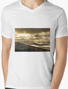 Outlook from Arthur's Seat, Mornington Peninsula - sunrays between clouds. Mens V-Neck T-Shirt