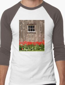 Red Tulips & Barn Men's Baseball ¾ T-Shirt