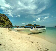Angthong Speedboats  by Rob Hawkins