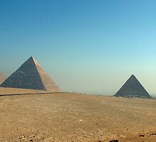 Pyramids at Giza by dunawori