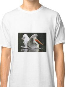 Pelican on water Classic T-Shirt
