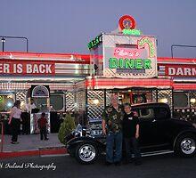 Shari's Diner 50's Style/ Las Vegas.. by Rita  H. Ireland