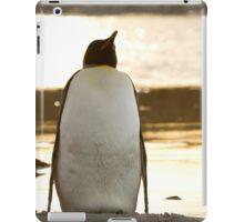 Penguin at sunset iPad Case/Skin