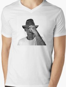 TOM WITH HAT Mens V-Neck T-Shirt