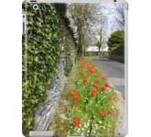 Ivy On Stone With Tulips iPad Case/Skin