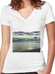 Sorrento back beach Women's Fitted V-Neck T-Shirt
