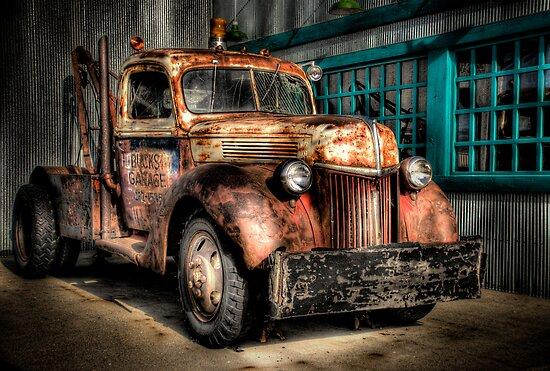 Buck's Garage by raberry