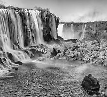Iguazu Falls - a wider view - in monochrome by photograham