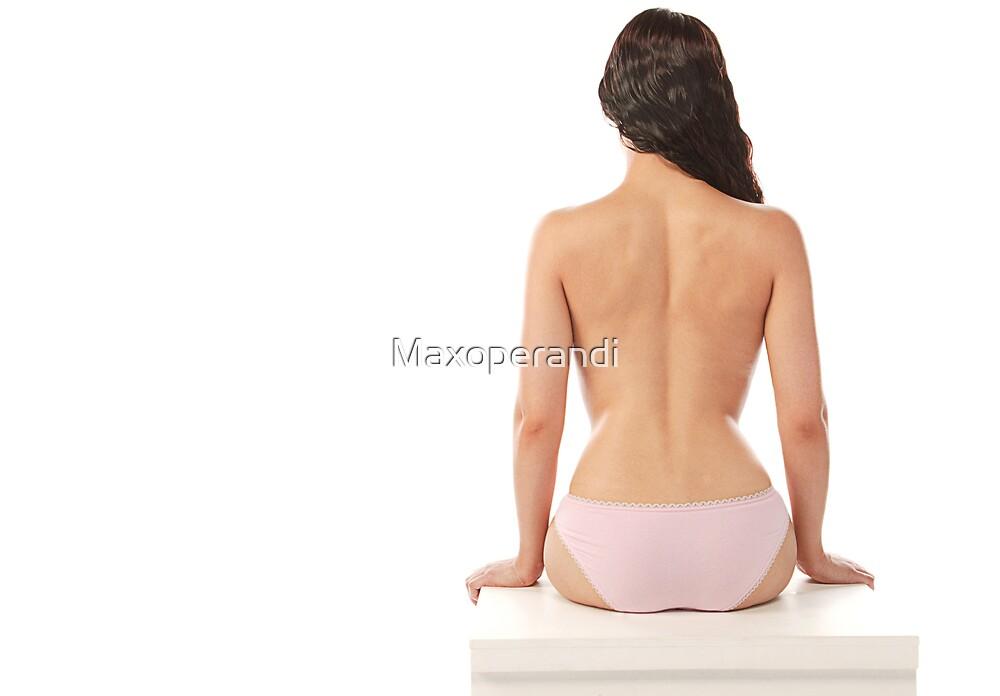 Back and White Box by Maxoperandi