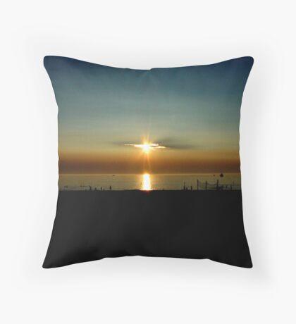 PinHole sunset Throw Pillow