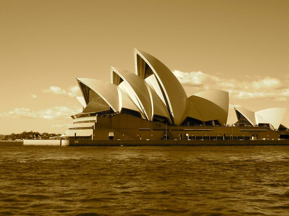 opera house by jonnywalker