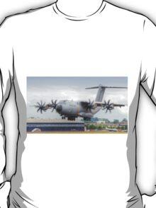 Airbus A400M Atlas Landing - Farnborough 2014 T-Shirt