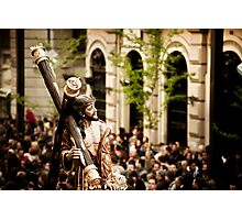 Christ and crowd Photographic Print