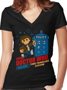 Super Doctor Who Women's Fitted V-Neck T-Shirt
