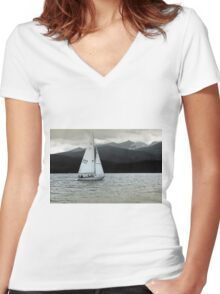 Solitary Sail Women's Fitted V-Neck T-Shirt