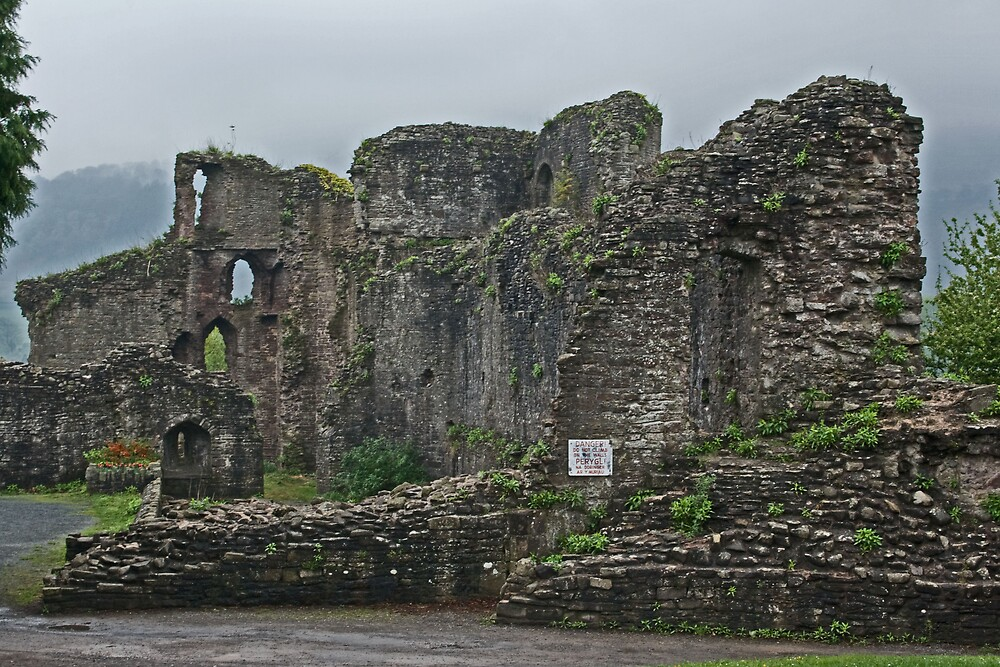 Abergavenny Castle by Andy Morley