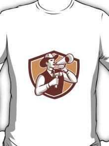 Cowboy Auctioneer Bullhorn Gavel Shield T-Shirt