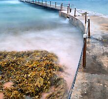 Collaroy Sea Pool March 21, 2008 by Paul Pinkley