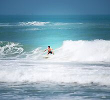 Surfing Miramar by León Felipe Guevara Chávez