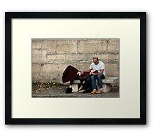 L'Amour En Bord de Seine Framed Print