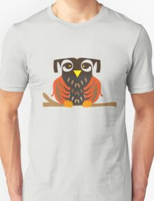 Owl sitting on a tree branche. T-Shirt