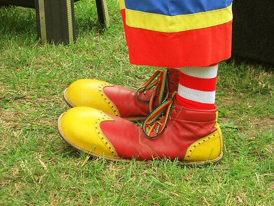 Clown Kicks by berly8