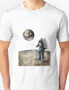 Alan Shepard on the Moon, Looking back at Earth  Unisex T-Shirt