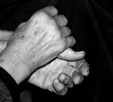 old woman's hands by gregorrogerg