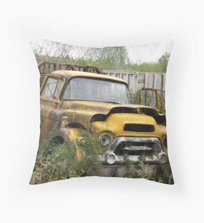 OLD TOW TRUCK Throw Pillow