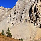 Wall of rock by zumi