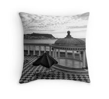 Of glory's past Throw Pillow