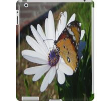 White Daisy and Butterfly iPad Case/Skin