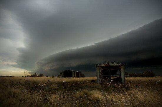 Shelf Cloud Approaching Caroline Springs, Victoria Australia by Greg  Sorenson