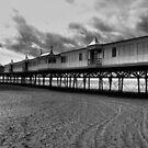 B&W pier by shakey