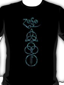 EXTREME DISTRESSED TRIQUETRA - teal minerals V T-Shirt