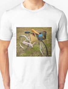 Pink Pedal Challenge 2015 - Support Jo and Ginny - bike with hat Unisex T-Shirt