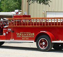 Round Rock Volunteer Fire Department Engine 7 by garytx