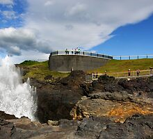 Kiama Lighthouse and Blowhole by Darren Stones