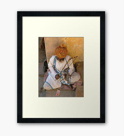 Street singer, India Framed Print