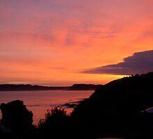 Raglan sunrise by donnz